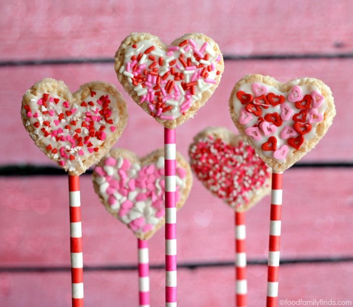 heart shaped rice krispies treat pops