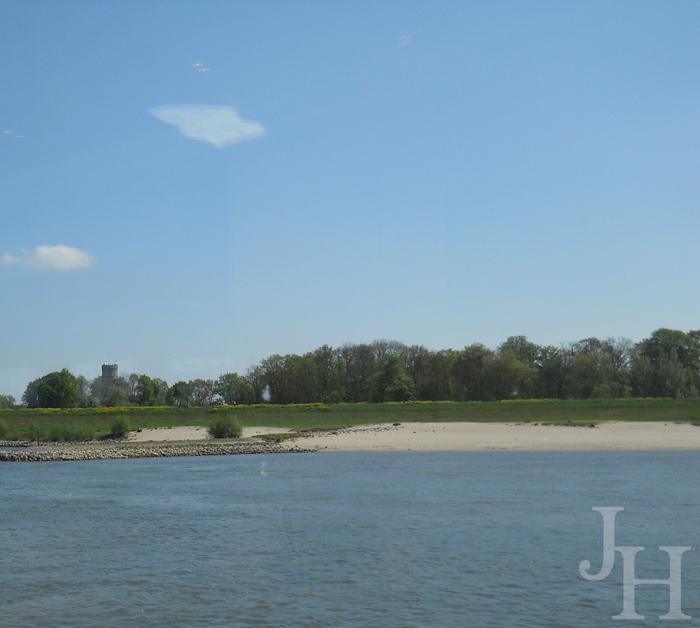 Beach along the Rhine