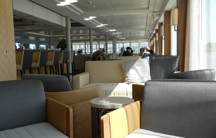 The lounge on the Ingvi