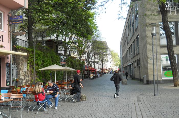 Cobblestone streets in Fishmarket Square