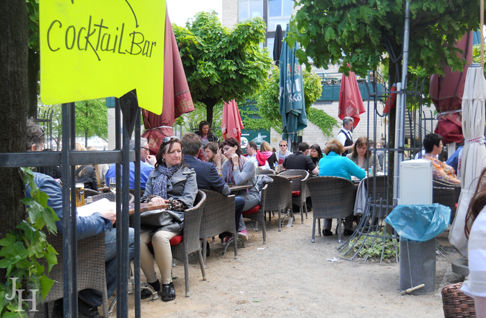 Outdoor dining in Cologne