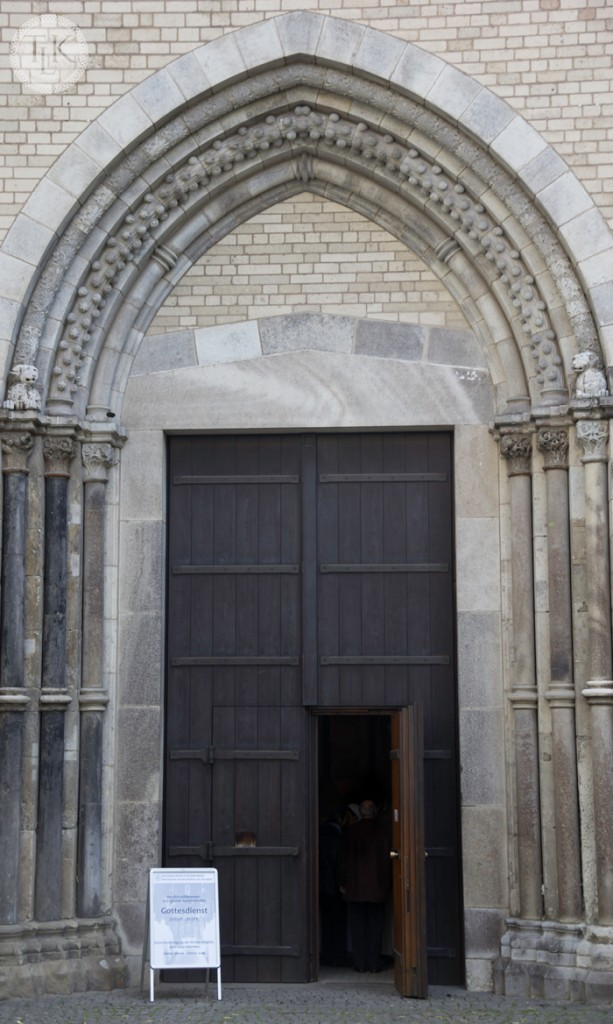 Doors-of-Cologne-01