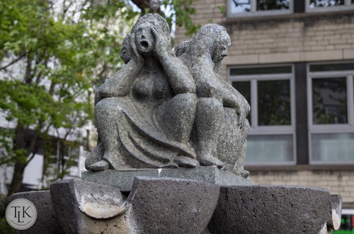 Fish-Fountain-Women