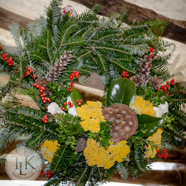 wreath 01 - Colonial Christmas Decor