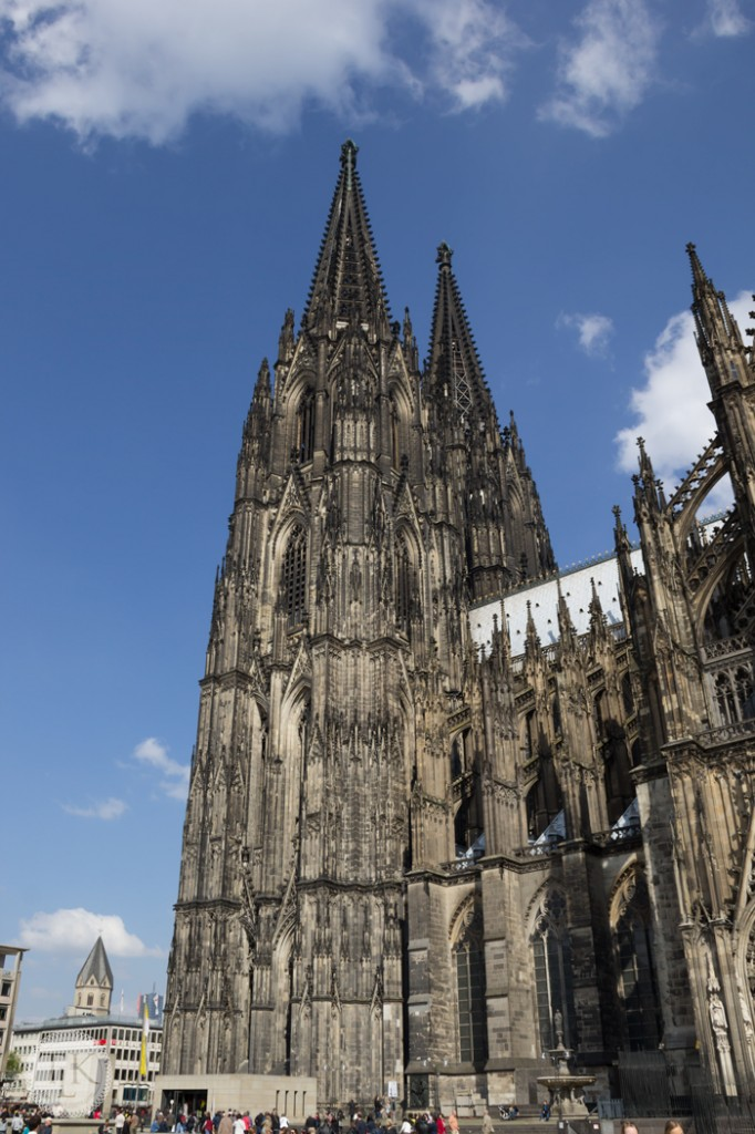 Cologne-Cathedral-and-Gift-Shop