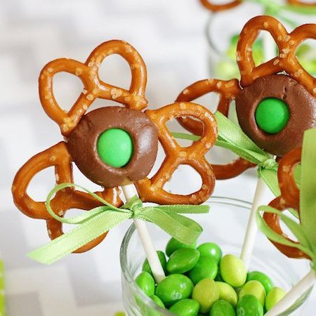 Shamrock-Pretzel-Pop
