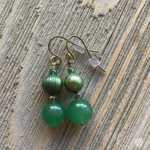 THREE LITTLE KITTENS | 3707e Aventurine and Freshwater Pearl Earrings