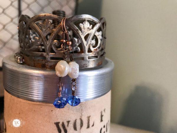THREE LITTLE KITTENS   3725e Blue Moon Earrings