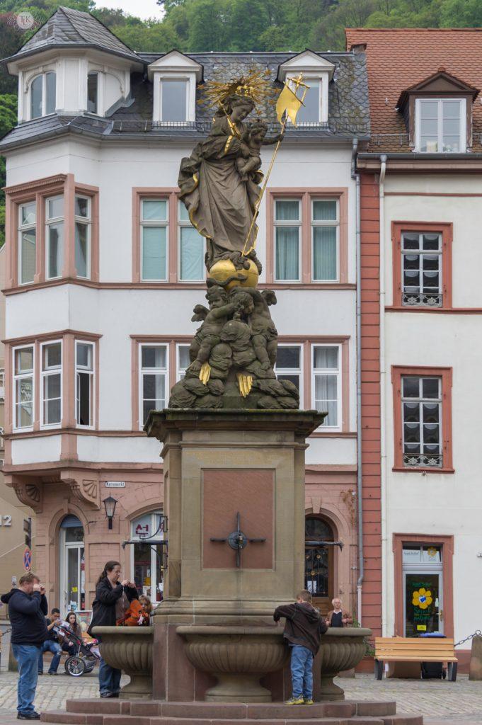 THREE LITTLE KITTENS BLOG | Kornmarkt Madonna Statue