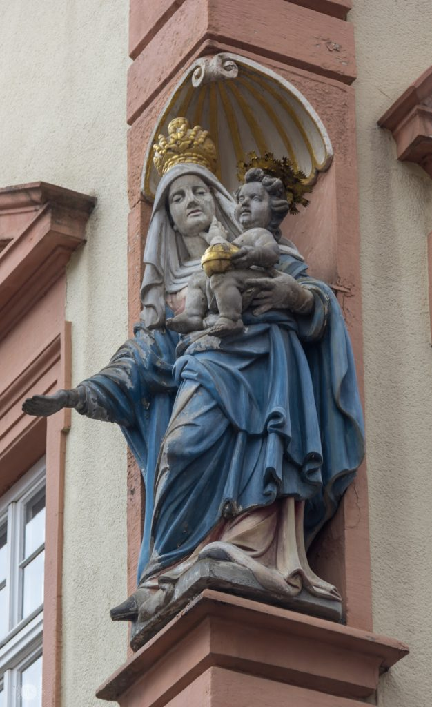 THREE LITTLE KITTENS BLOG | Hausmadonna on the Butchers Building in Heidelberg, Germany
