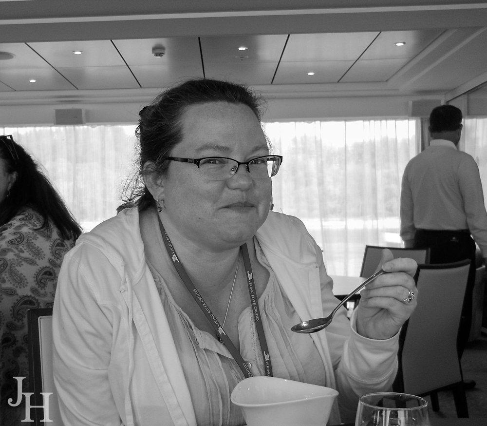 THREE LITTLE KITTENS BLOG | Enjoying lunch on the ship