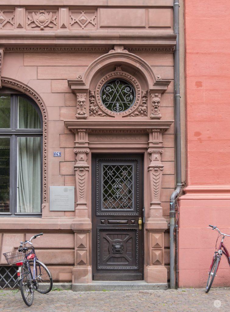 THREE LITTLE KITTENS BLOG | Oberrheinische Bank Door