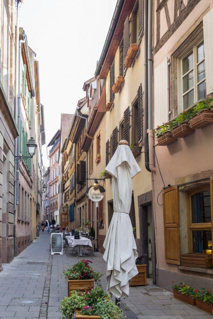 THREE LITTLE KITTENS BLOG | Strasbourg, France | Alley of Cafes
