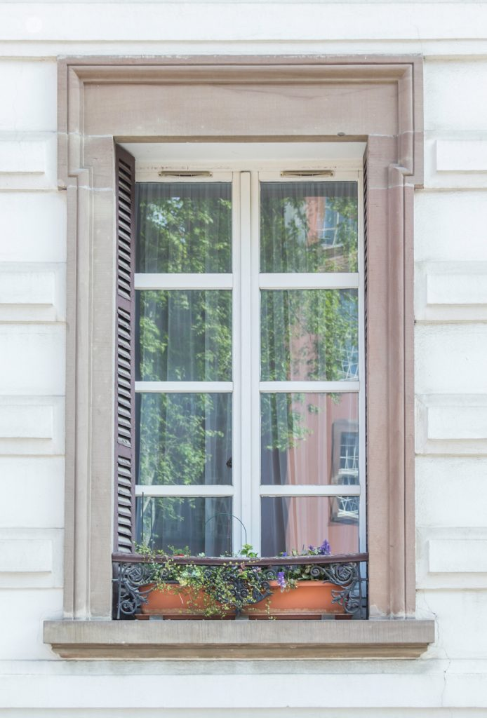 THREE LITTLE KITTENS BLOG | Pretty Windows and Doors in La Petite France | Strasbourg, France