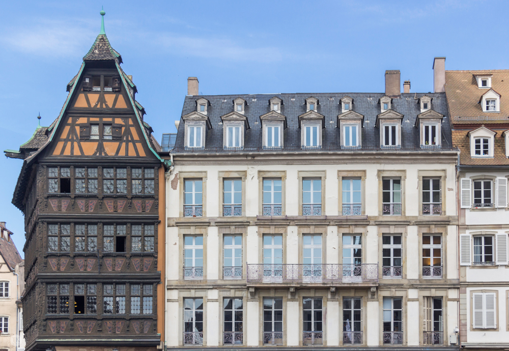THREE LITTLE KITTENS BLOG   Maison Kammerzell and Office de Tourisme